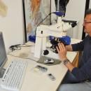 La postazione del microscopio a luce polarizzata